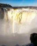 над водопадом радуги Стоковое Изображение RF