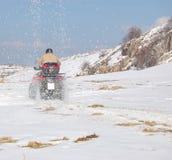 на всем бросать снежка квада Стоковые Изображения RF