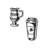 На вынос кружка бумажного стаканчика и кофе Стоковое Фото