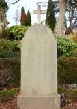Надгробный камень на погосте без любого имени Стоковые Изображения RF