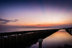 На заходе солнца на взморье Стоковое фото RF