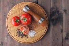 Надземный взгляд пука зрелых красных томатов Стоковые Фото