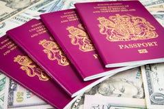 Наличные деньги пасспорта Стоковое Изображение