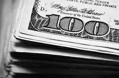 100 наличных денег денег долларовой банкноты Стоковая Фотография RF