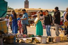 На квадрате Jemaa el Fna в Marrakesh стоковые фотографии rf