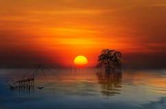 над красивейшим заходом солнца моря Стоковая Фотография