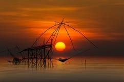 над красивейшим заходом солнца моря Стоковые Фотографии RF