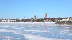 На льде Gulf of Finland, день в феврале Hanko, Финляндия видеоматериал