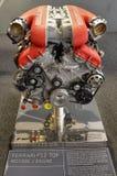 На музее Феррари, детали двигателей стоковые фото