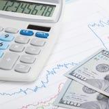 Налоговая форма 1040 Соединенных Штатов Америки с калькулятором и США делают - один против одного коэффициент Стоковые Фотографии RF