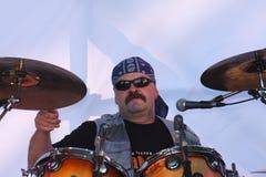 На открытой сцене фестиваля музыканты в рок-группе, Darida Стоковые Фото