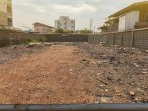 На открытом воздухе пустая земля для продажи стоковое изображение