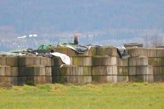 На открытом воздухе сдерживание удобрения фермы стоковые изображения