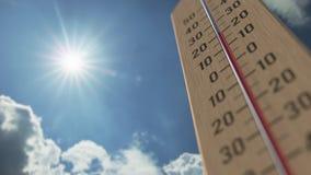 На открытом воздухе термометр достигает 35 35 стоградусных градусов 3D анимация прогноза погоды родственная иллюстрация штока