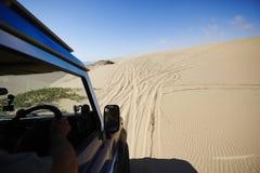 На песочной дороге Стоковые Изображения RF