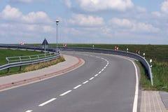 На повороте от дороги асфальта Стоковое фото RF