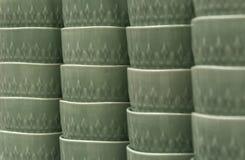 На полке глиняных горшков Стоковое Изображение RF