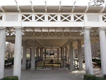 На полпути открывать заново ликеро-водочного завода бербона Кентукки стоковое изображение rf