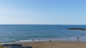 На празднике на пляже западном вэльсе Великобритании aberporth стоковое изображение rf
