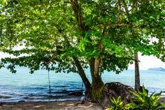 На пляже Klong Prao Стоковые Фото