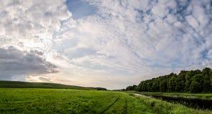 над рекой облаков Стоковые Изображения