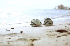 На среднеземноморском пляже Стоковые Изображения