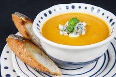 На супе и здравицах таблицы Стоковая Фотография RF