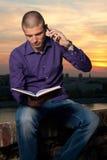 На телефоне Стоковая Фотография RF