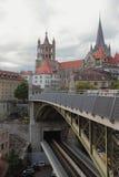 на уровне Двух мост и город Lausanne, Швейцария Стоковые Изображения RF