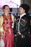 На этапе танцоры и певицы, актеры, члены хора, танцоры корпуса de балета и певец-соло казацкого ансамбля Стоковое Фото