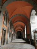 Неаполь - крылечко входа королевского дворца стоковые фото