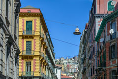 Неаполь (Неаполь), Италия - 12-ое июня: Здания Неаполь, 12-ое июня, Стоковые Фото