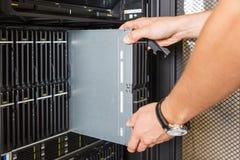 Небезупречный сервер лезвия стоковые изображения rf