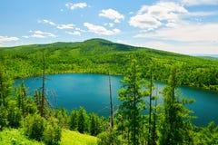 Небесное озеро на горе горба верблюда Стоковые Изображения RF