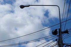 Небесно-голубая линия электропередач облаков Стоковое Изображение