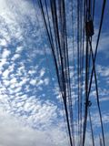 небесно-голубое утро солнца кабеля Стоковые Изображения RF