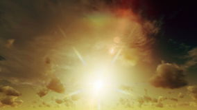 Небесные облака промежутка времени захода солнца сток-видео