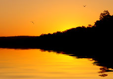небесный заход солнца реки Стоковые Фото