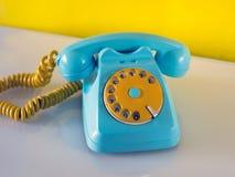 Небесный и желтый традиционный телефон Стоковые Фото