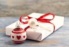 Небольшие безделушки и подарок на рождество рождества стоковая фотография
