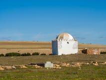 Небольшие мечеть и кладбище, Марокко стоковое изображение