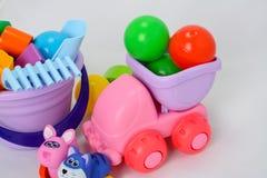 Небольшие формы игрушек младенца, красочных, различных и размеры стоковые изображения
