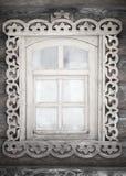 Небольшое античное деревенское окно стоковые фотографии rf