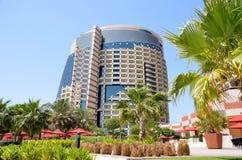 Небоскребы в Абу-Даби Стоковые Фотографии RF