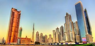 Небоскребы в районе залива дела Дубай стоковая фотография rf