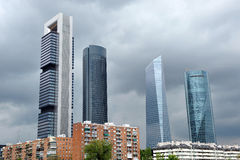 Небоскребы в финансовом центре, Мадриде, Испании стоковое изображение