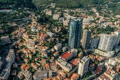 Небоскребы в фото лета трутня riviera города Монако Монте-Карло стоковое фото rf