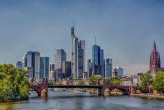 небоскребы горизонта frankfurt заречья финансовохозяйственные стоковое фото