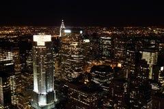 небоскребы ночи manhattan Стоковые Фото