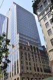 Небоскребы от Пятого авеню в Манхаттане от Нью-Йорка в Соединенных Штатах Стоковые Изображения RF
